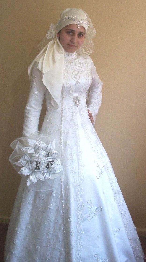 Free knitting pattern free hijab wedding dress models 2012 for Wedding dress images free