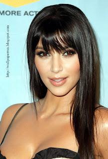 Kim Kardashian Sexy Lip