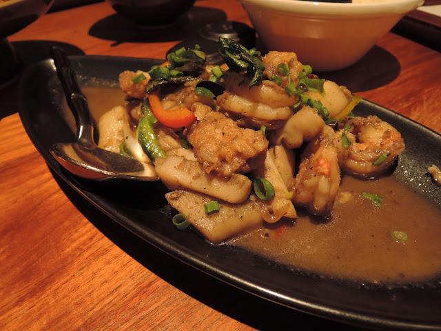 calamari, seafood, blue ginger, thai cuisine, trou aux biches, beachcomber
