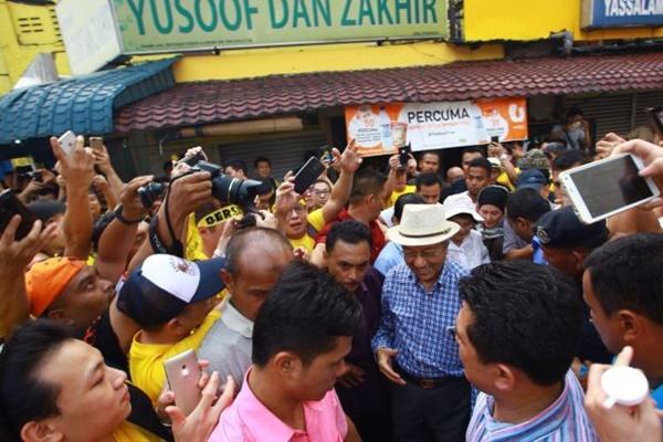KECOH!! Tun M Disiasat Oleh Polis