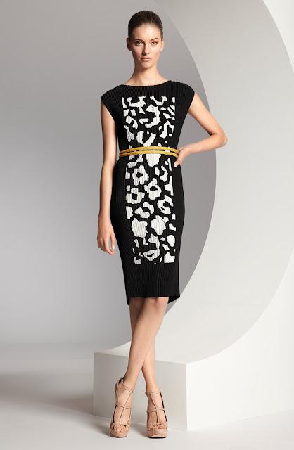 escada desenli siyah kısa elbise