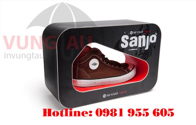 In hộp giấy đựng giày ở Vũng Tàu