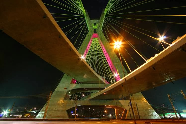 It took 450 workers to build The Octávio Frias de Oliveira Bridge over a span of five years. From the year 2003 until the date it opened in May, 2008.