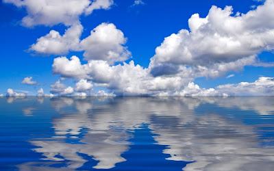Cielo reflejado en el mar