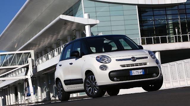 Fiat 500L front white