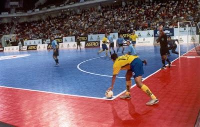 http://www.tutorialolahraga.com/2016/01/sejarah-perkembangan-futsal.html