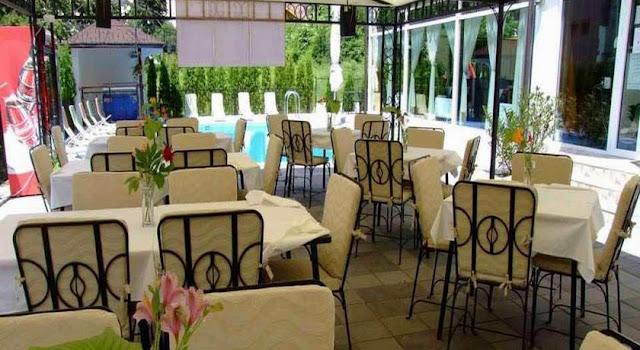 Restoran sa terasom u vili Devedzić