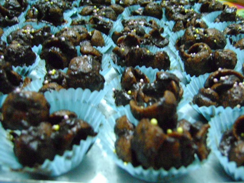 cowgirl choclate Free college essay cowgirl chocolates - marketing analysis case problem statement before spending an additional $3,000 on an advertising campaign marilyn lysohir needs to strategically consider how to reach.