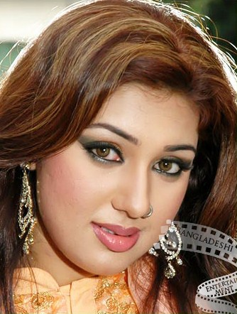 Images of Bangladeshi Film Actress Apu Biswas Latest Picture And Biography