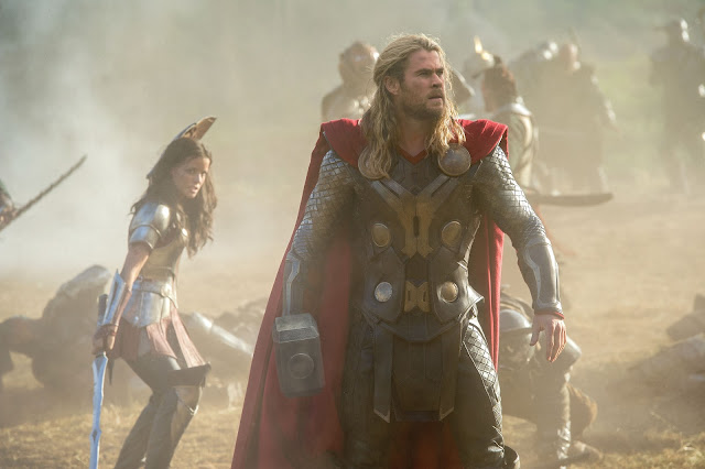 Thor The Dark World Sif Jaimie Alexander Thor Chris Hemsworth