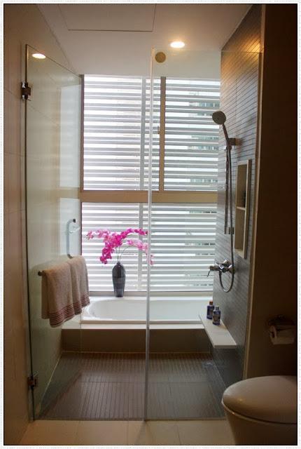 bathroom in the vista apartment 3 bedrooms
