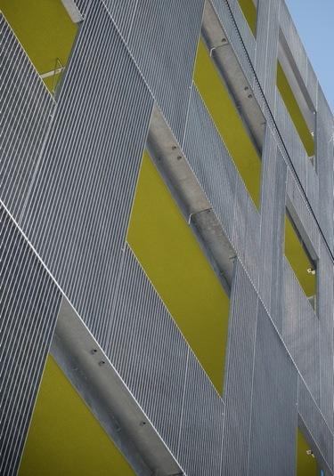 A f a s i a shigeru aoki architect associates for Architect associates