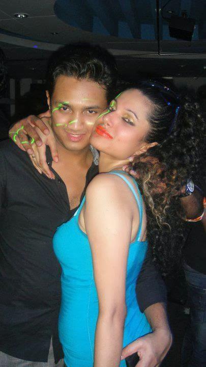 bd model emi scandal at a night club