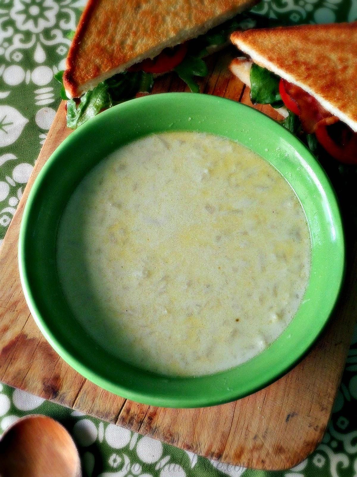 Creamy Cauliflower Soup - lacocinadeleslie.com