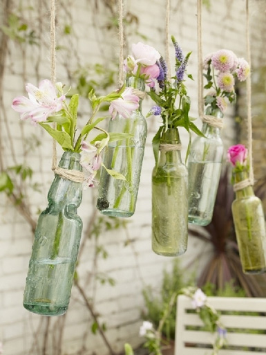Belle maison fresh ideas for displaying spring flowers for Jardin glass jars
