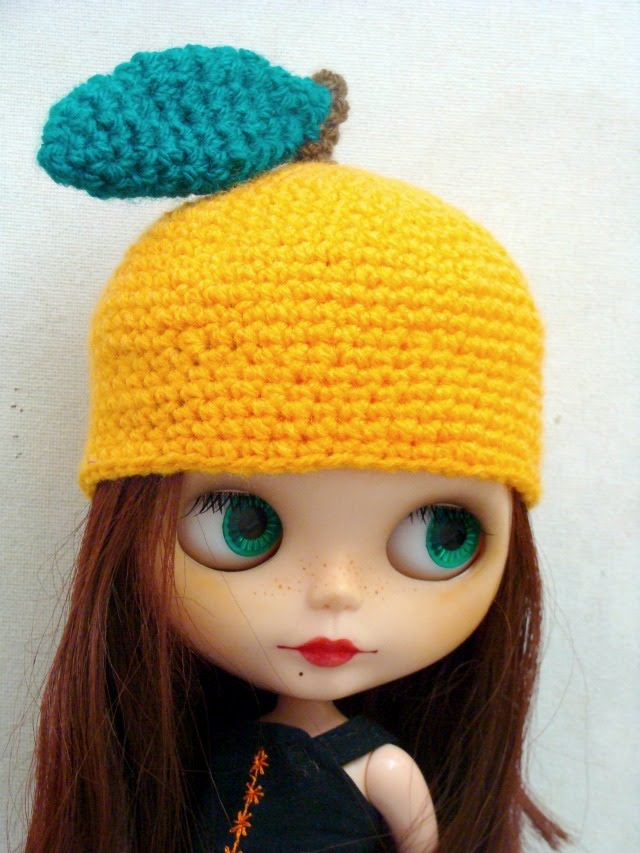 Ayalaythe orange crochet hat for blythe dolls