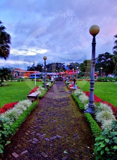 Detalle del parque de La Fortuna, Costa Rica.