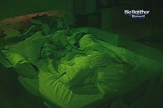 Video: Laisa e Yuri transam no quarto do lider do BBB12