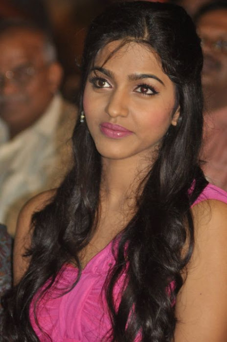 dhansika at benze vaction awards actress pics