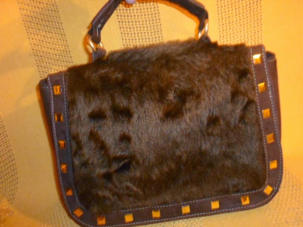 Bolsa de mão em camurça marrom
