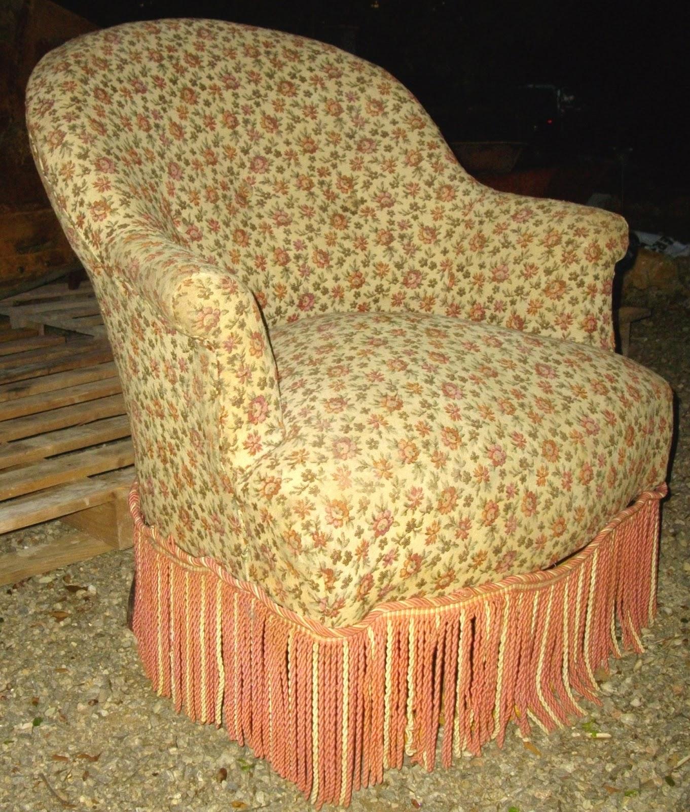 antique french ancien petit fauteuil crapaud berg re romantique d 39 poque i. Black Bedroom Furniture Sets. Home Design Ideas
