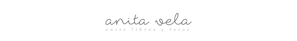 Entre libros y fotos - Anita Vela