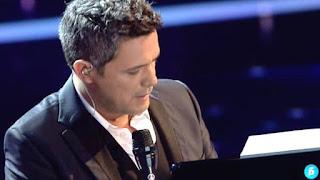 Alejandro Sanz y Marcos Martins cantan ¿Lo Ves?-Final La Voz 2015