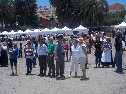 JUEVES 30 de Mayo:III DIA DEL VECINO: CELEBREMOS SOLIDARIAMENTE EL DIA DE CANARIAS