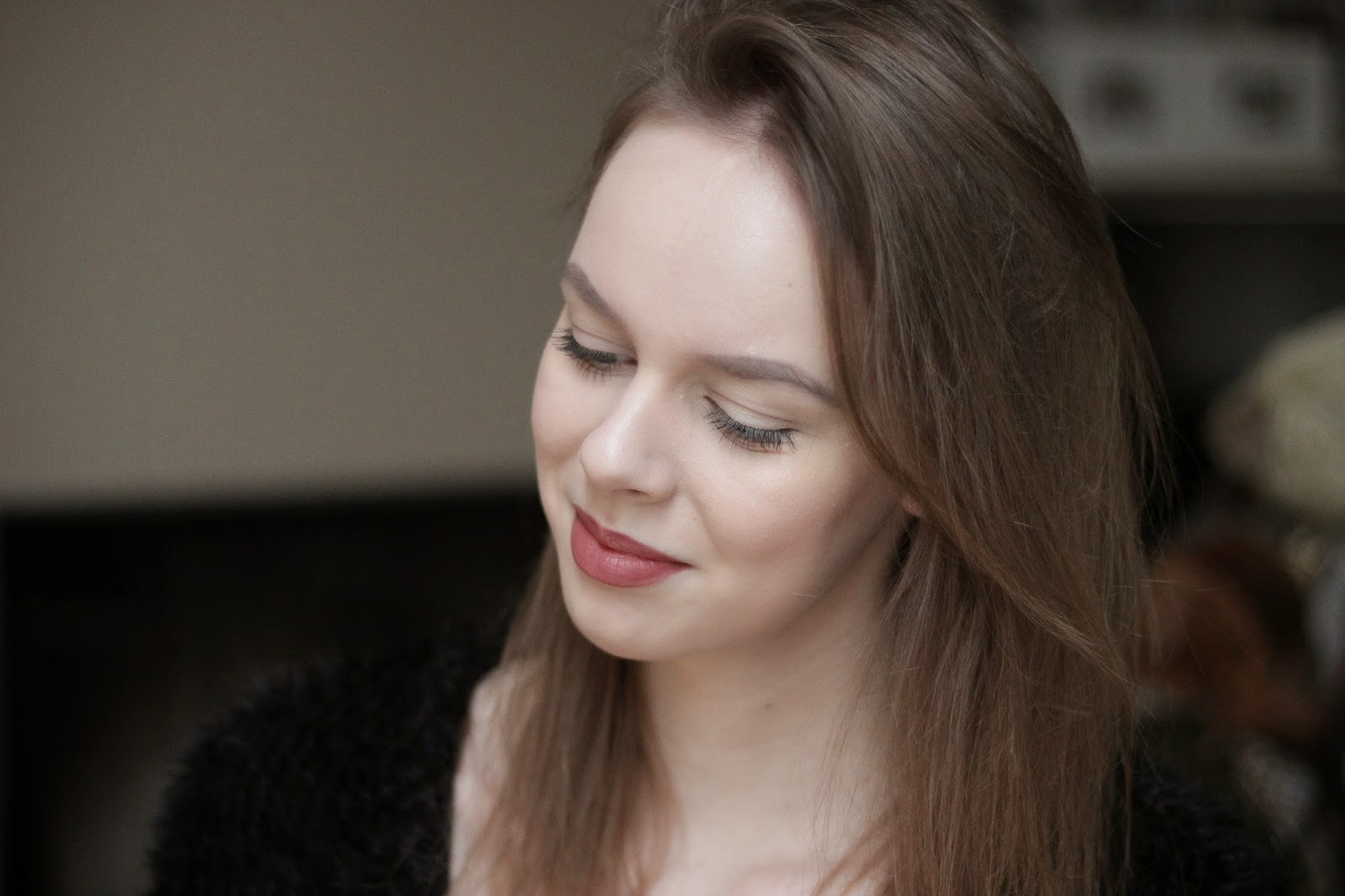 neutral winter makeup look