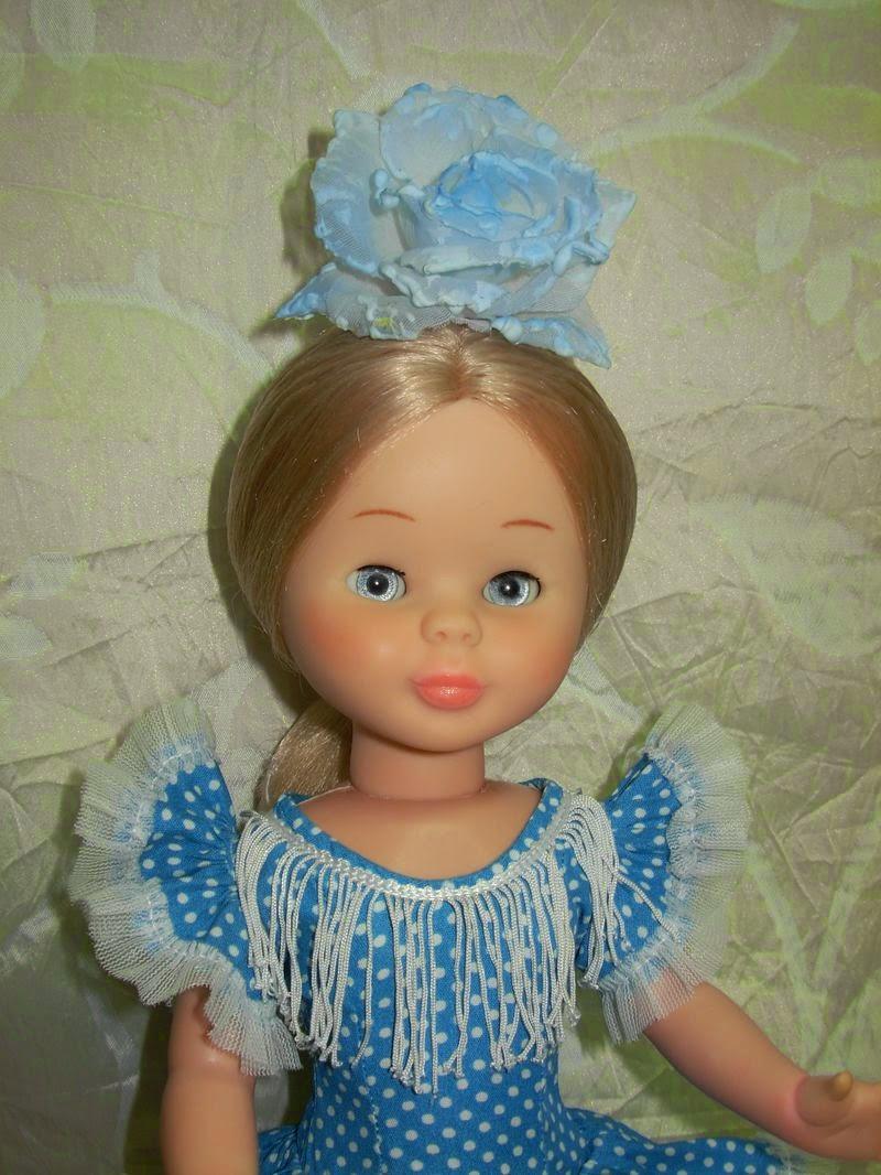 Me encantan las rubias vestidas de flamenca