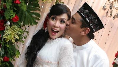 Gambar Majlis Pernikahan Azad Jasmin dan Eira Syazira