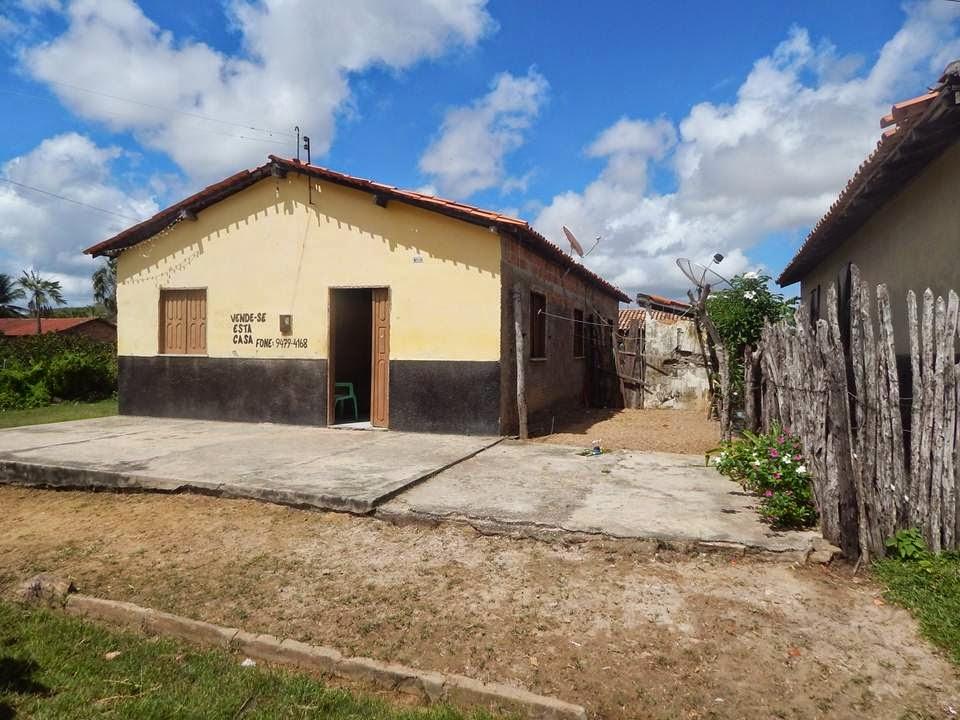 VENDE-SE UMA CASA - Rua: Raimundo Nonato Gomes, 130. Tel. (86) 94794168