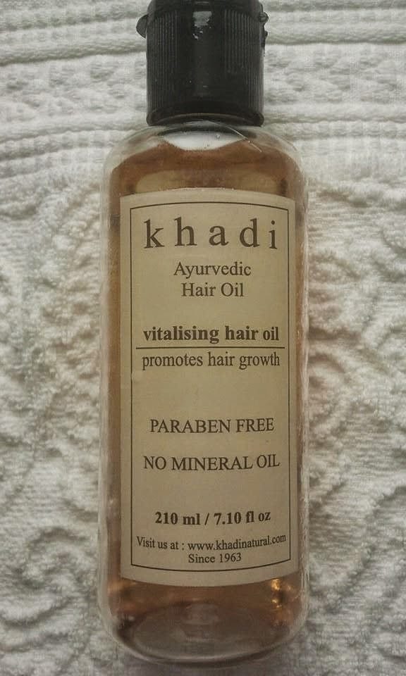 Khadi-Ayurvedic-Oil-vitalising-hair-oil-on-my-table