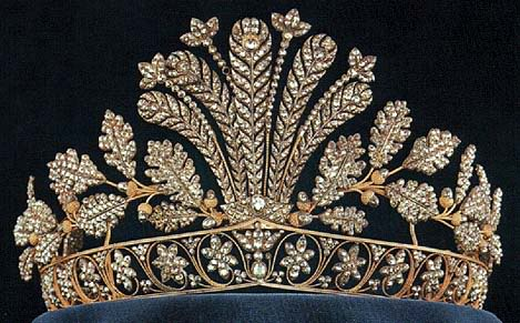 تيجان ملكية  امبراطورية فاخرة Swedish+steel+cut+princess+victoria+queen+silvia+feather+tiara