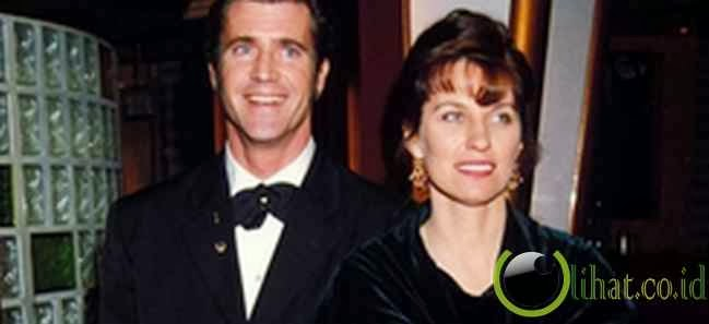 Mel dan Robyn Gibson