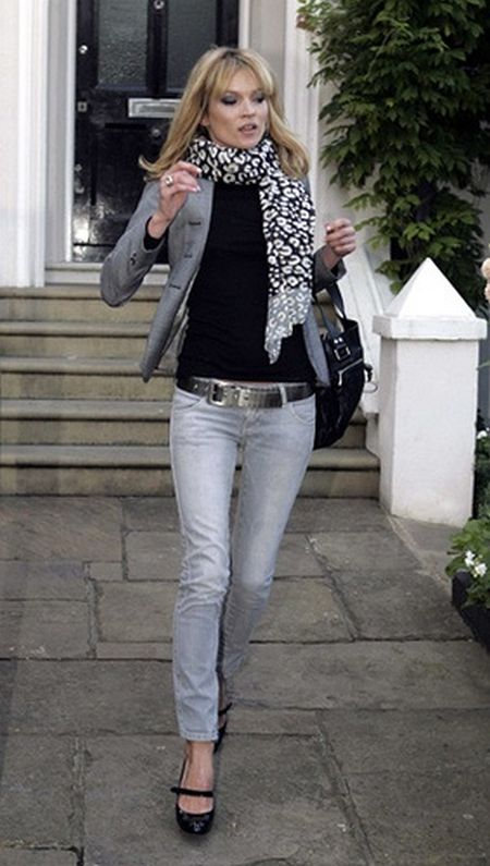 Kate Moss stylish street style outfit with black and white scarf