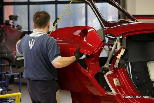 Alfa Romeo 4C Assembling