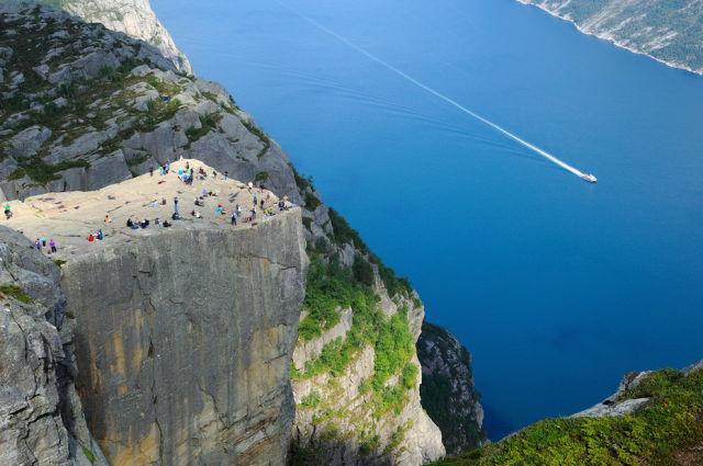 L'incroyable Falaise de Preikestolen - Norvège