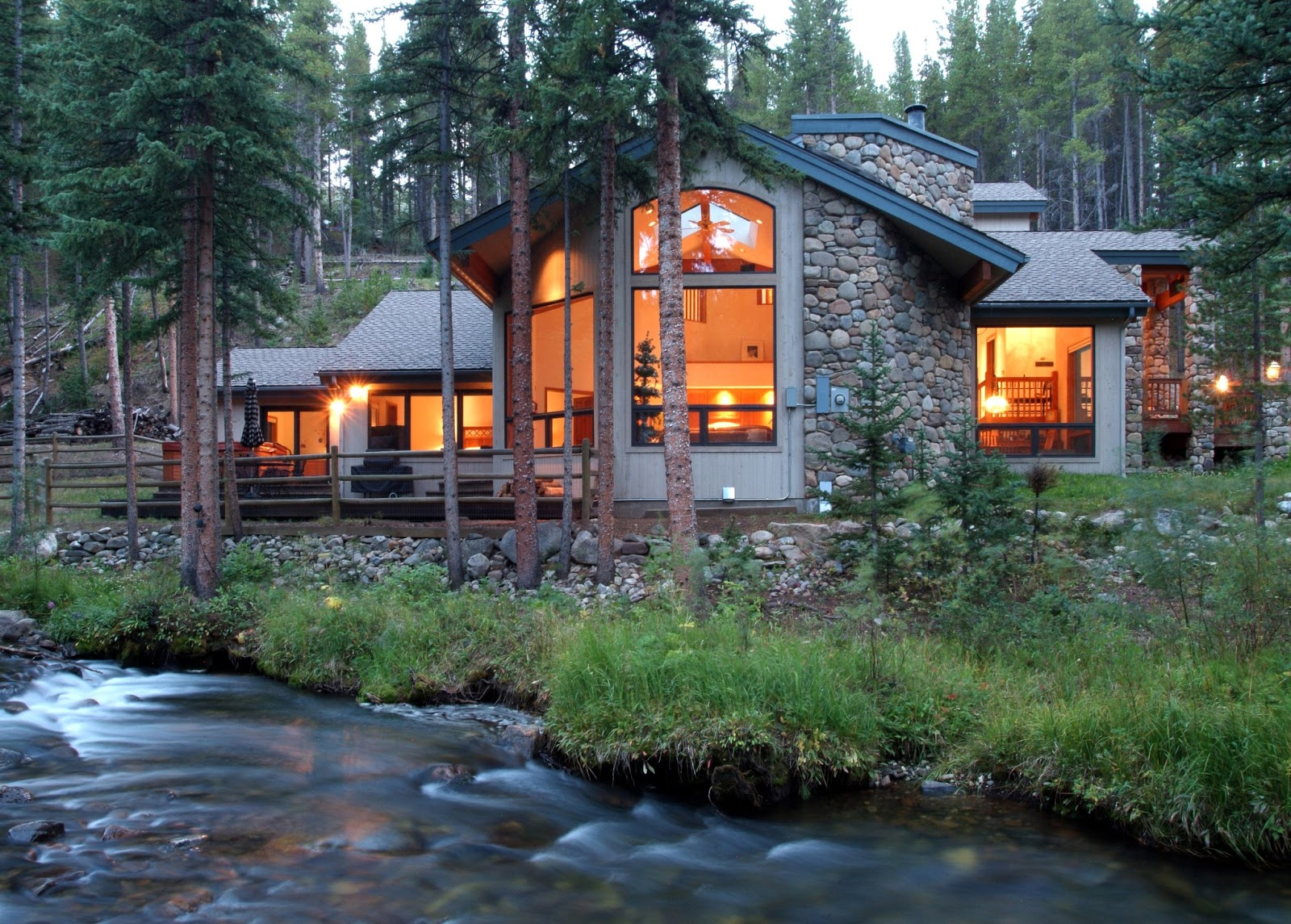 5 reasons to love vacation rentals vrmonth a little tipsy for Vacation log homes