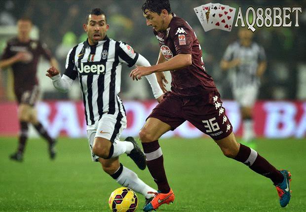 Agen Bola - Duel spesial bakal jadi sajian Serie A Italia di giornata 32 nanti, saat Torino menjamu Juventus dalam tajuk derby Della Mole, Minggu (26/4) petang WIB