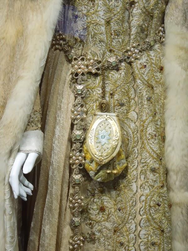 Robin Hood Isabella of Angoulême costume detail