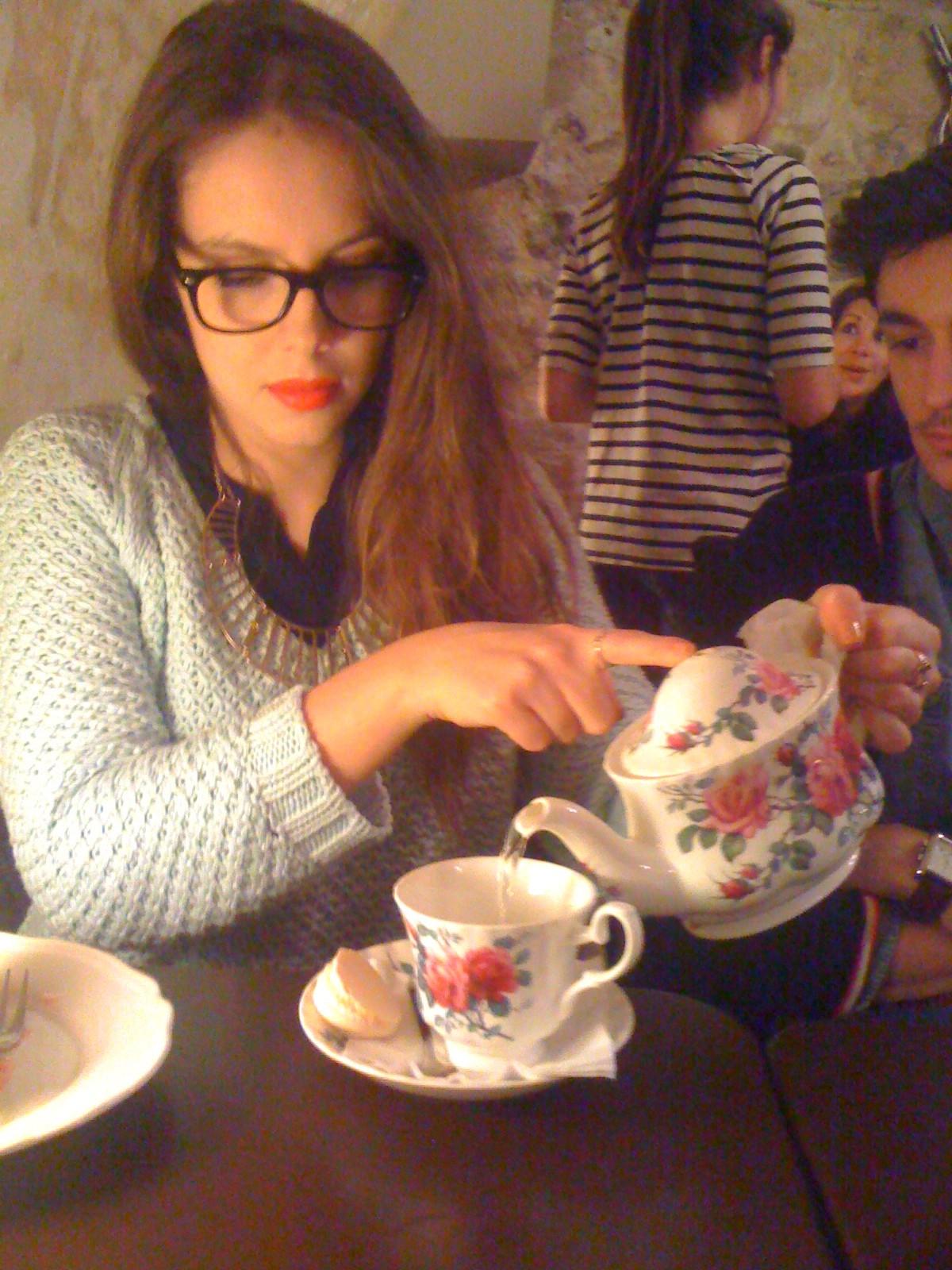 Tea time les petites choses du monde de chacha blog for L autre salon de the bordeaux