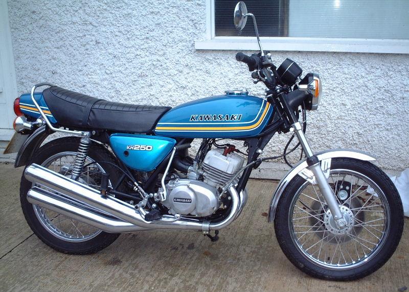 Motor Kawasaki KH250 Motor Klasik 2 tak ini performanya tidak kalah  title=