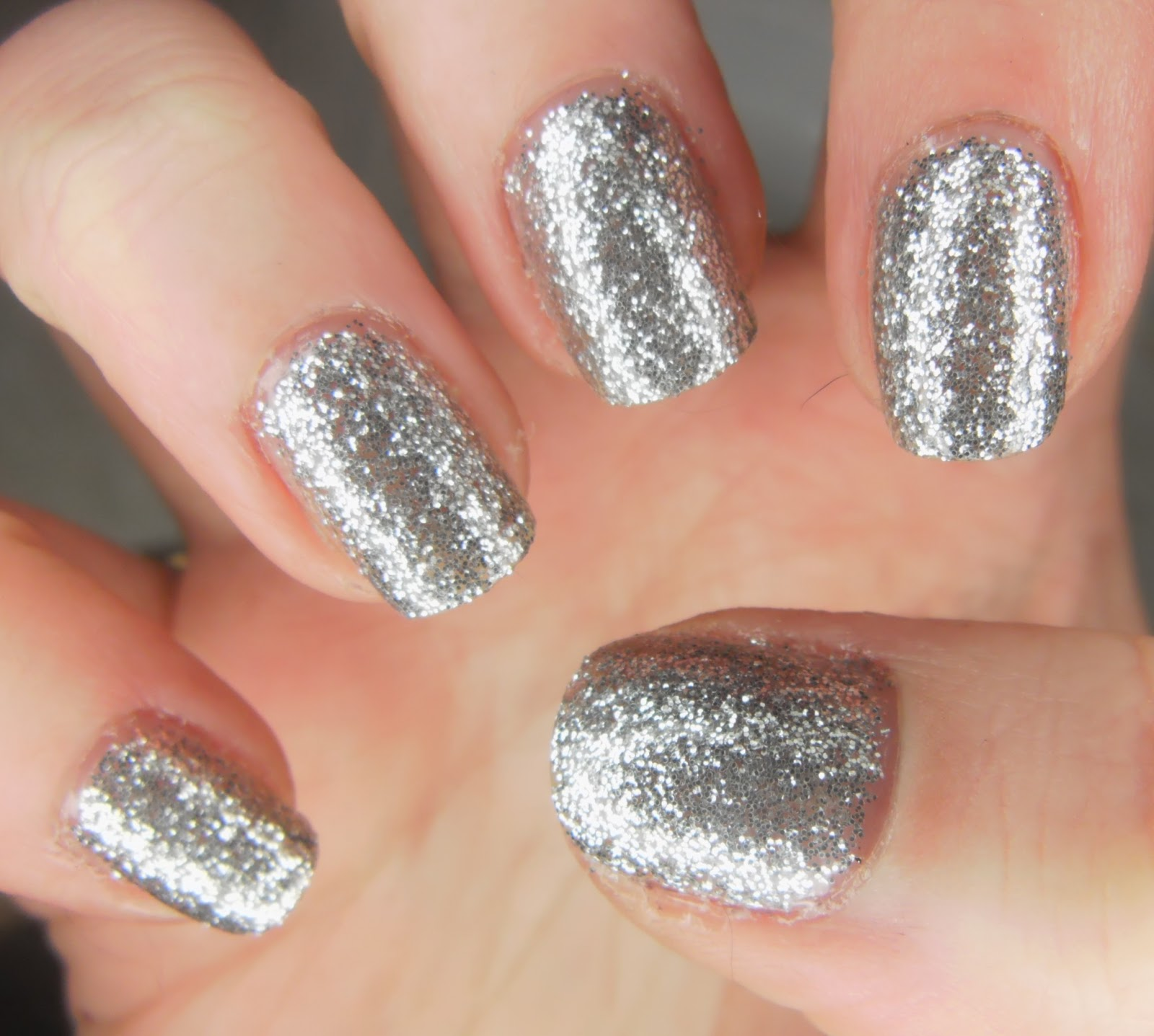 SpecialGirl Nails: Sun-Tried-Day: W7 Gold and Silver Dazzle