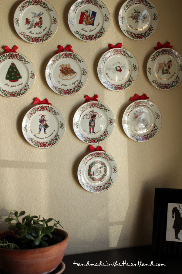 vintage 12 days of Christmas plates