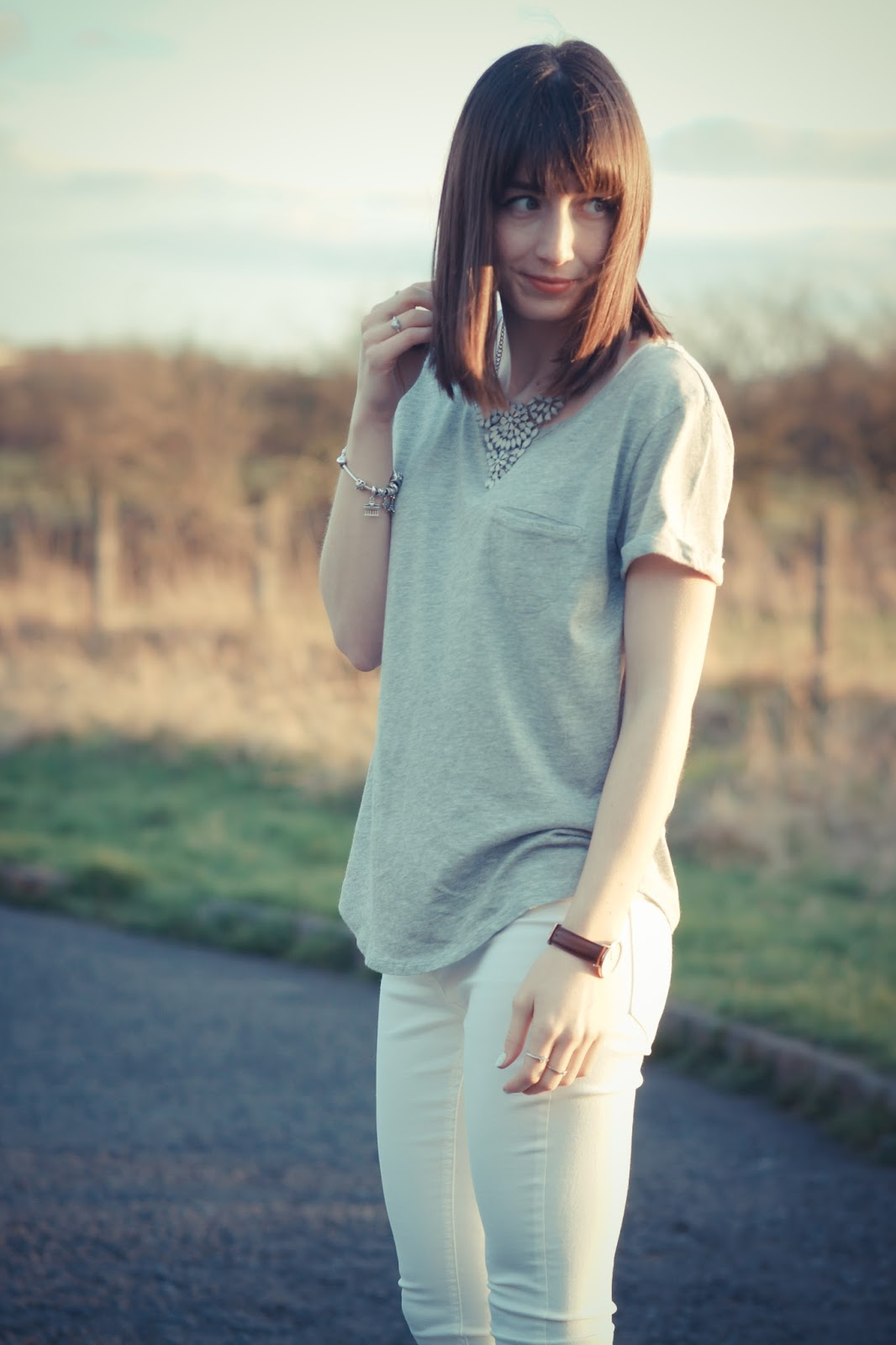 Hello Freckles Spring Accessories New Look Outfit