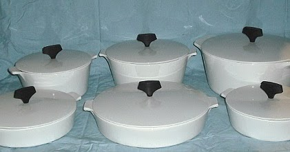 Is Pyrex Safe For Baking Cakes