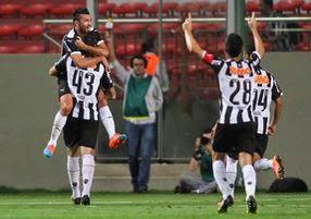 http://questoeseargumentos.blogspot.com.br/2014/10/atletico-mg-sofre-mas-vence-o-sport-e.html
