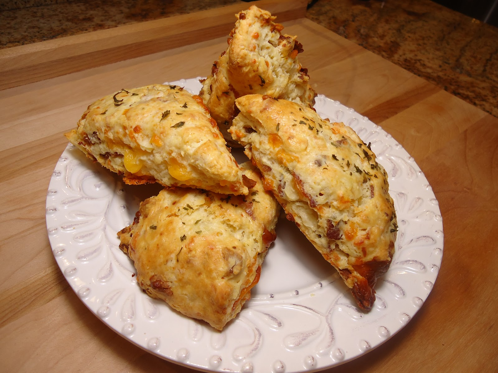 ... Hungry Teacher.....: Bacon & Cheddar Scones