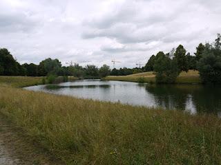 Teich im Neuen Südfriedhof in München-Perlach